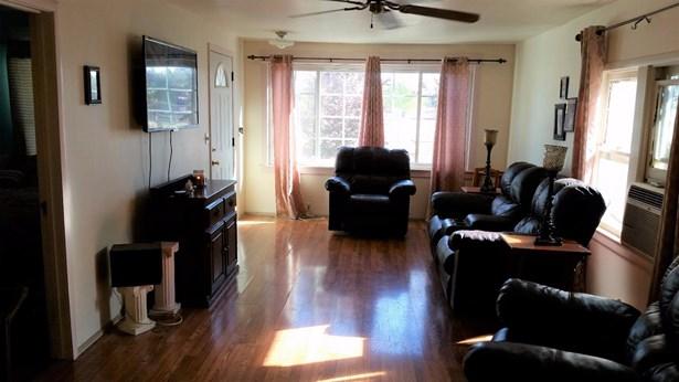 1541 Mitchell Ave, Escalon, CA - USA (photo 5)