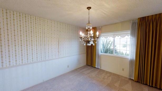 1046 E Wathen Ave, Fresno, CA - USA (photo 5)