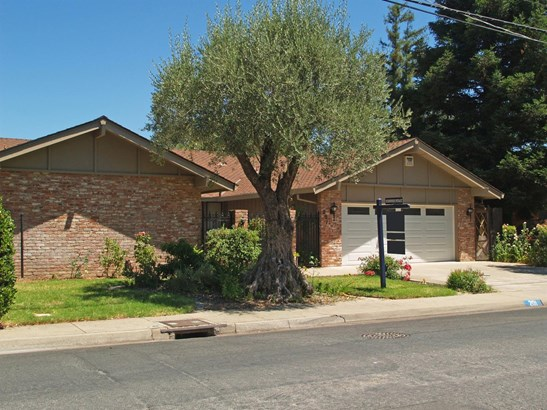 201 Griswold Ave, Modesto, CA - USA (photo 3)