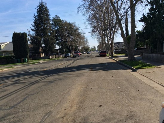726 S Central Ave, Lodi, CA - USA (photo 5)