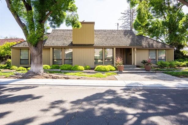 700 Leytonstone Ave, Modesto, CA - USA (photo 1)