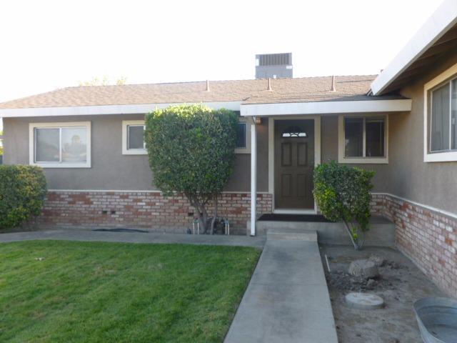 300 Clark St, Turlock, CA - USA (photo 1)