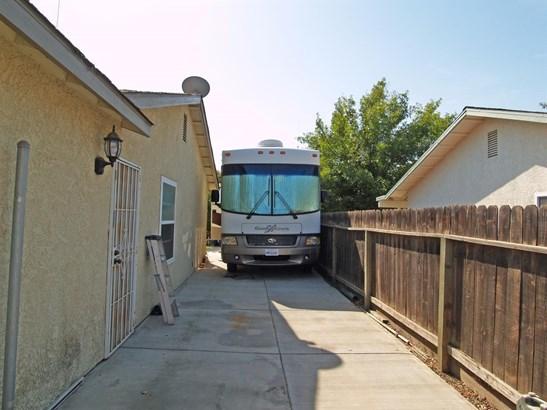 2220 Ridgeway Dr, Ceres, CA - USA (photo 5)