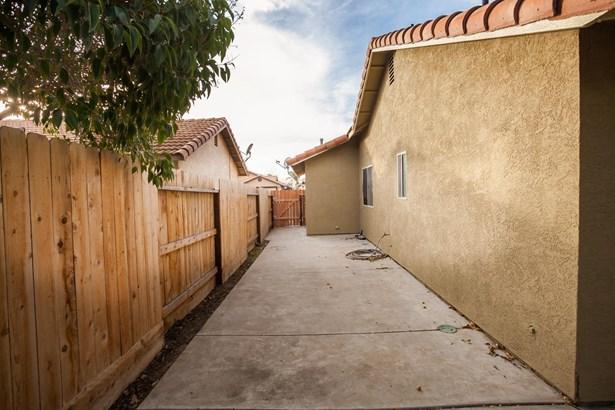 148 N Santa Ana St, Los Banos, CA - USA (photo 4)