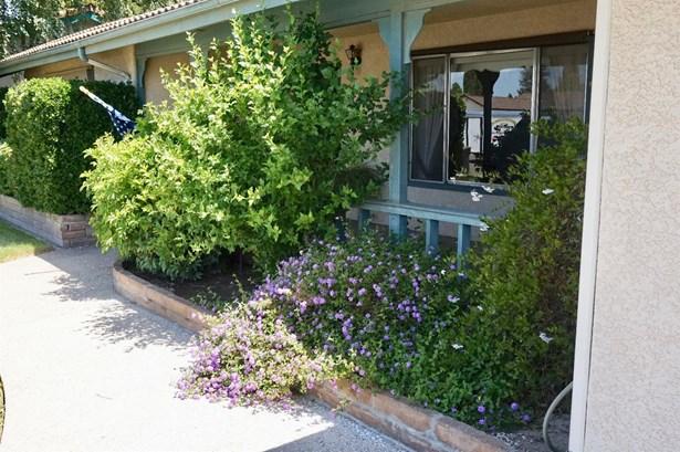 612 Robert Ave, Ripon, CA - USA (photo 2)