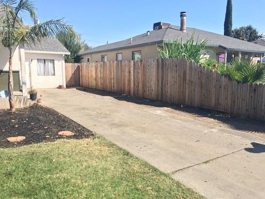 2033 W Sonoma Ave, Stockton, CA - USA (photo 2)
