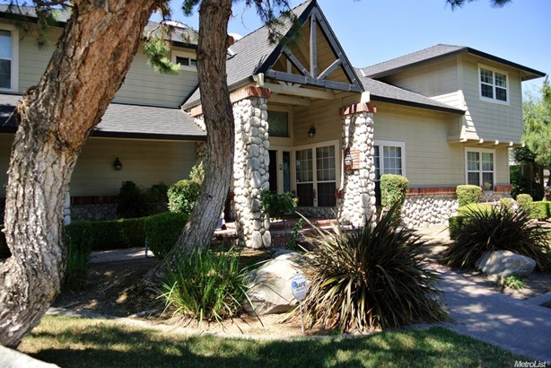 811 Spring Creek Dr, Ripon, CA - USA (photo 2)