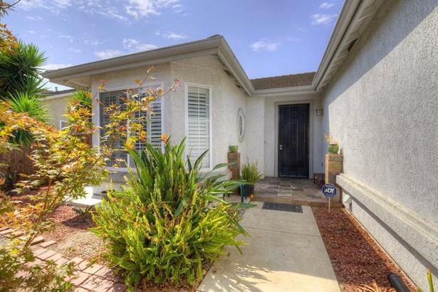 1084 Meadowbrook Dr, Manteca, CA - USA (photo 2)