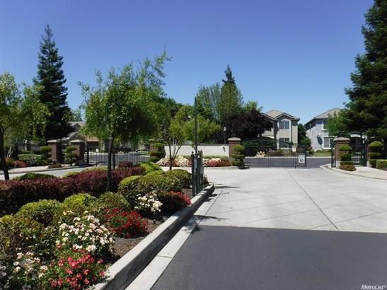3293 English Oak Cir, Stockton, CA - USA (photo 5)