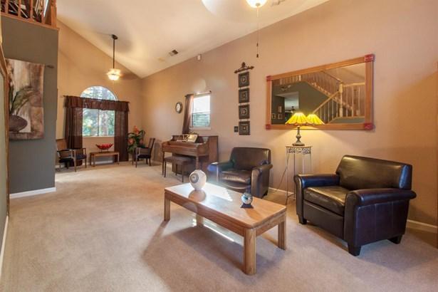 816 Fernridge Ct, Modesto, CA - USA (photo 4)