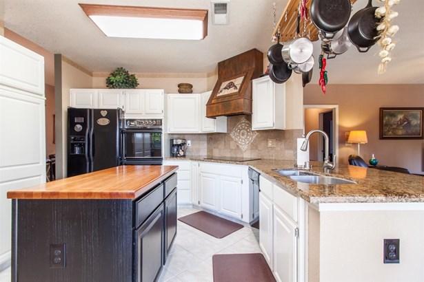 816 Fernridge Ct, Modesto, CA - USA (photo 5)