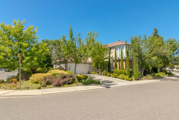 3340 Southgrove Ave, Modesto, CA - USA (photo 2)
