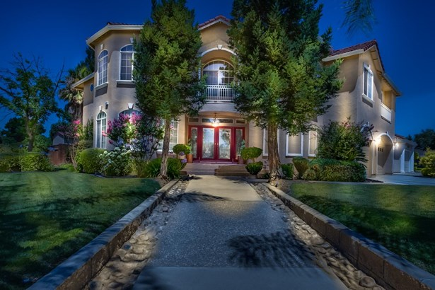 2691 Castleview Drive, Turlock, CA - USA (photo 1)