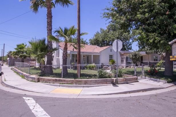 1675 Lois Way, Ceres, CA - USA (photo 2)