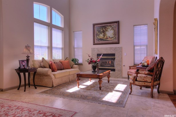 2521 Promenade Way, Riverbank, CA - USA (photo 3)