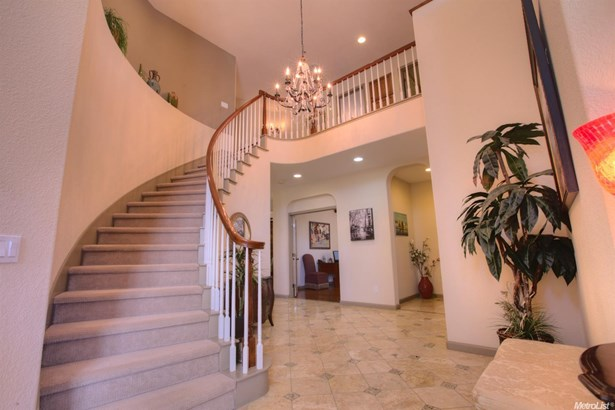 2521 Promenade Way, Riverbank, CA - USA (photo 4)