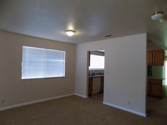 539 N 1st Ave, Oakdale, CA - USA (photo 3)