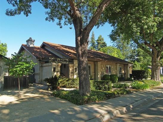 703 Enslen Ave, Modesto, CA - USA (photo 1)