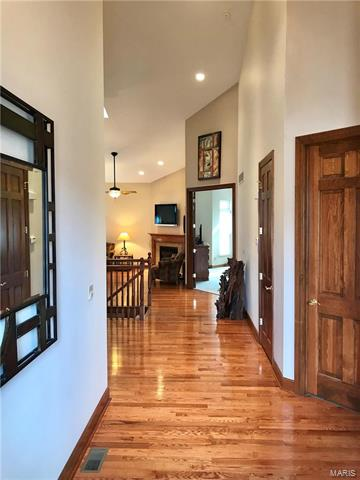 Villa,Condo/Coop/Villa, Traditional,Villa - St Charles, MO (photo 4)
