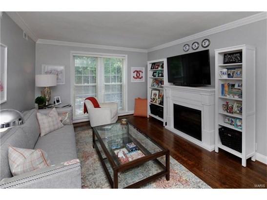 Condo,Condo/Coop/Villa, Traditional,Garden Apartment - Clayton, MO (photo 2)
