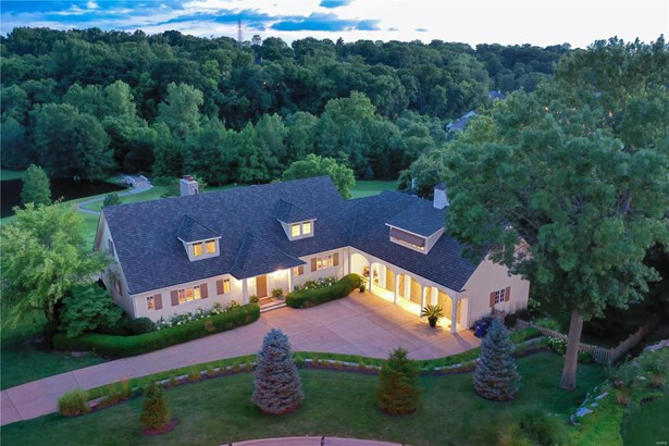 Residential, Traditional - Des Peres, MO