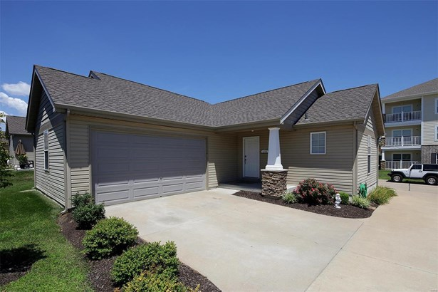 Condo,Condo/Coop/Villa, Traditional,Villa - Cottleville, MO (photo 1)