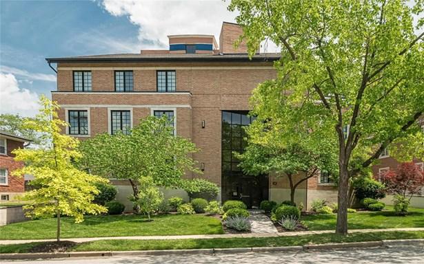 Contemporary,Garden Apartment, Condo - Clayton, MO