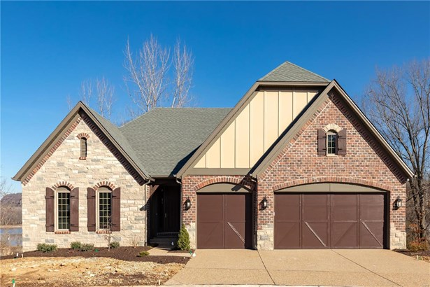 Residential, Traditional,Ranch - St Albans, MO