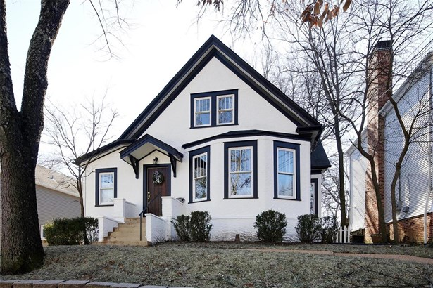 Traditional,Bungalow / Cottage, Residential - Glendale, MO