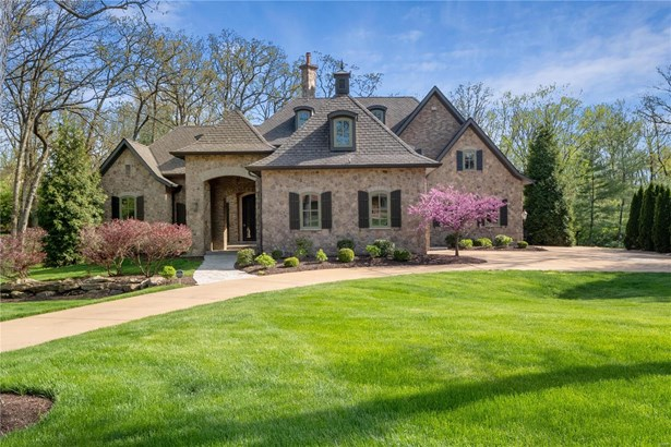 French, Residential - Frontenac, MO