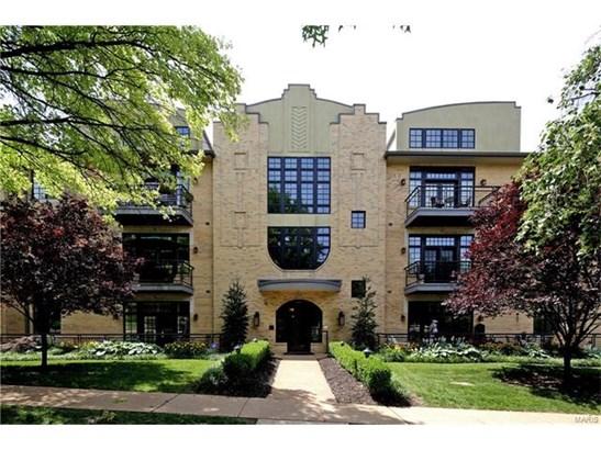 Condo,Condo/Coop/Villa, Contemporary - Clayton, MO (photo 1)