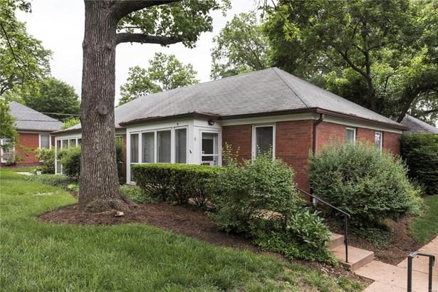 Condo, Traditional,Garden Apartment - University City, MO (photo 1)