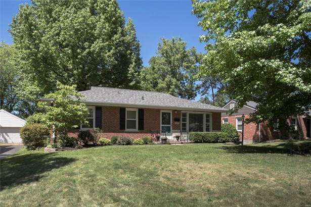 Residential, Traditional,Ranch - Rock Hill, MO (photo 2)