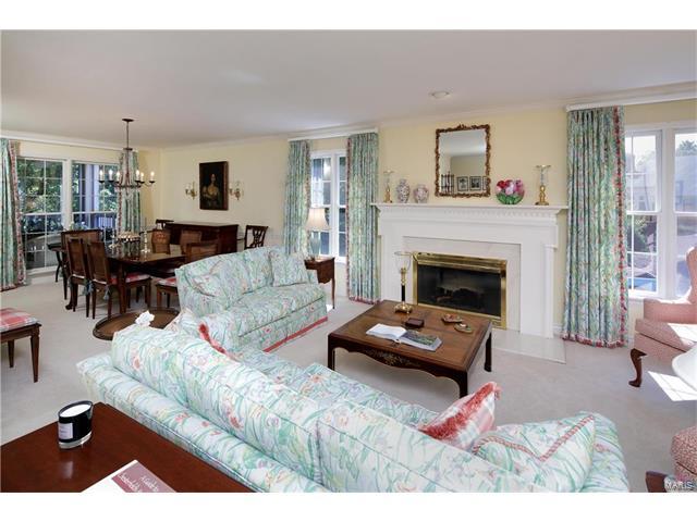 Condo,Condo/Coop/Villa, Traditional,Garden Apartment - Chesterfield, MO (photo 2)