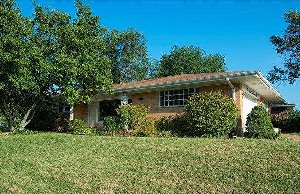 Residential, Traditional,Ranch - Crestwood, MO