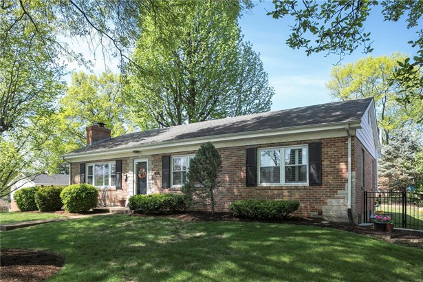 Residential, Traditional,Ranch - Glendale, MO (photo 3)