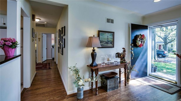 Residential, Traditional,Ranch - Glendale, MO (photo 5)