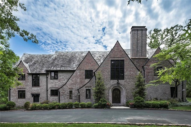 Residential, English,Traditional,Tudor - St Louis, MO (photo 2)