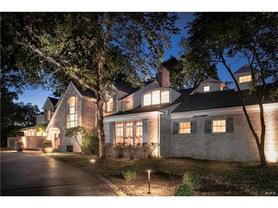 Residential, Traditional,Tudor - Huntleigh, MO (photo 2)