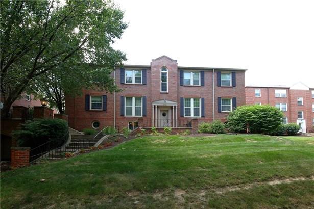 Traditional,Garden Apartment, Apartment Complex - Clayton, MO