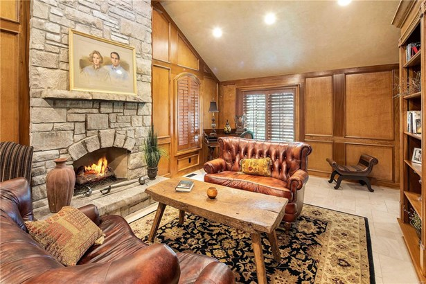 English, Residential - St Albans, MO (photo 5)