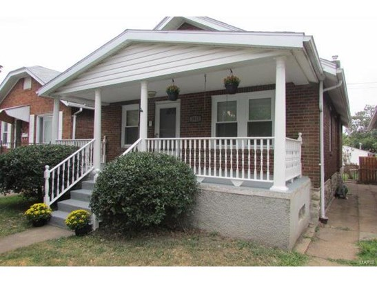 Bungalow / Cottage, Residential - St Louis, MO (photo 2)
