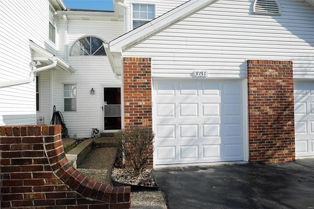 Traditional,Townhouse, Condo - Maryland Heights, MO (photo 2)