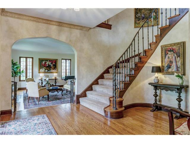 English, Residential - Ladue, MO (photo 5)