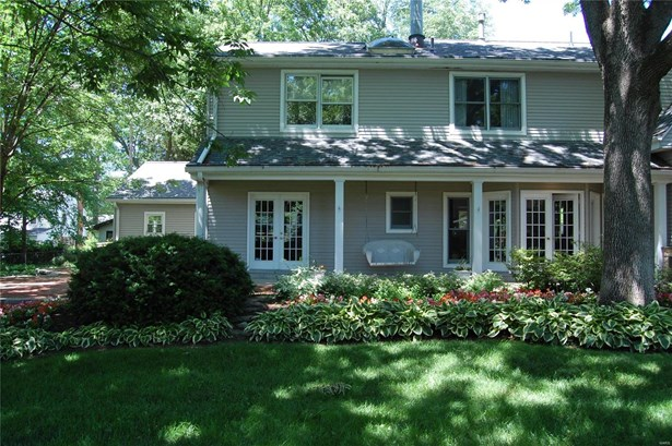 Residential, Traditional - Kirkwood, MO (photo 4)
