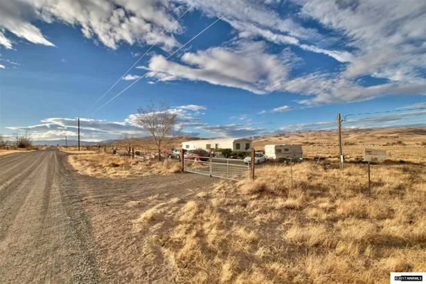4780 Quince Avenue, Silver Springs, NV - USA (photo 1)