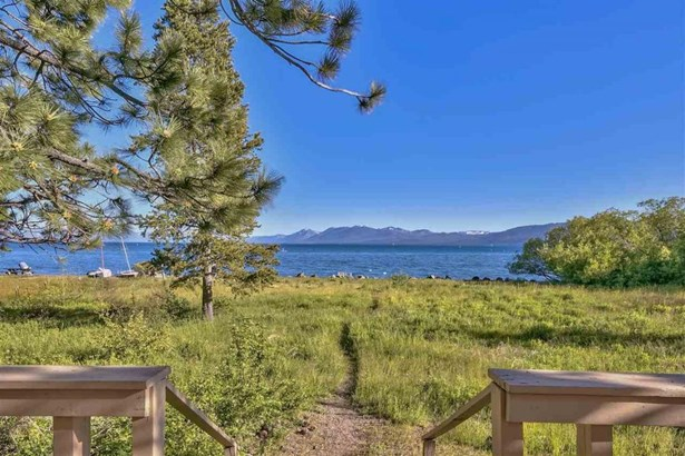 2562 Lake Forest Road, Tahoe City, CA - USA (photo 1)