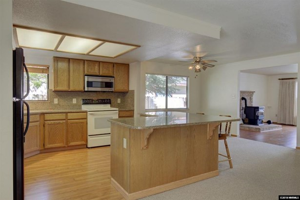 1535 Sonoma St, Carson City, NV - USA (photo 3)