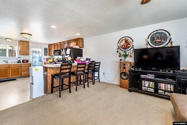 1249 Spooner Drive, Carson City, NV - USA (photo 4)
