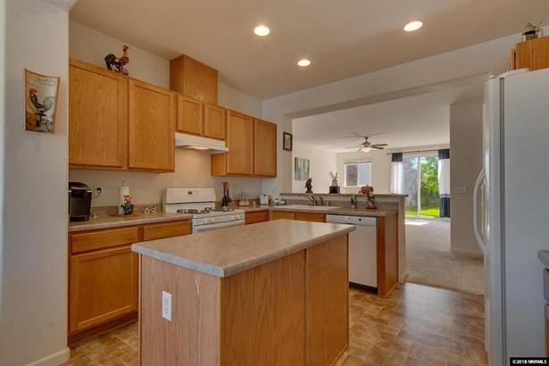 551 Ranchwood Ln, Fernley, NV - USA (photo 4)